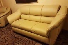 перетяжка дивана кожей фото 4
