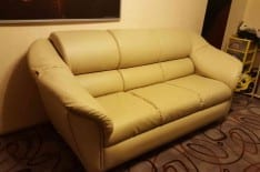 перетяжка дивана кожей фото 3