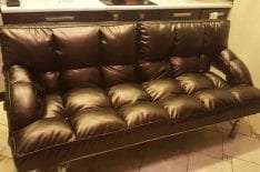 Ремонт и обивка кожаного дивана